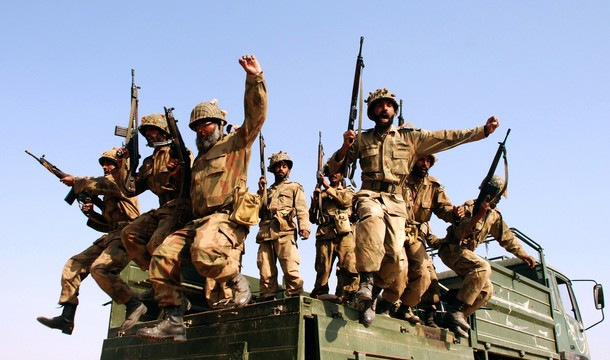 Pakistan Soldiers Exercise